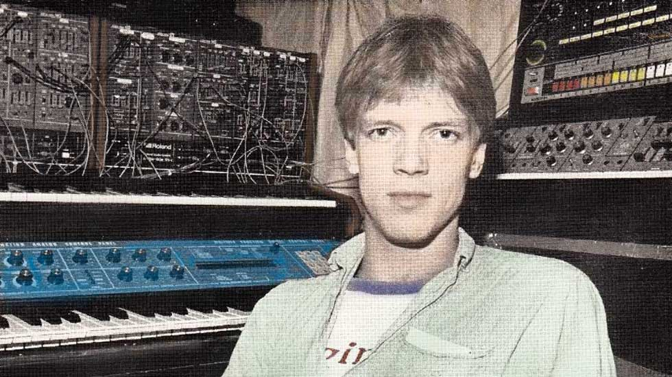 Posing with PPG, Roland System 100M, SH-5A and TR-808 in Studio version 3