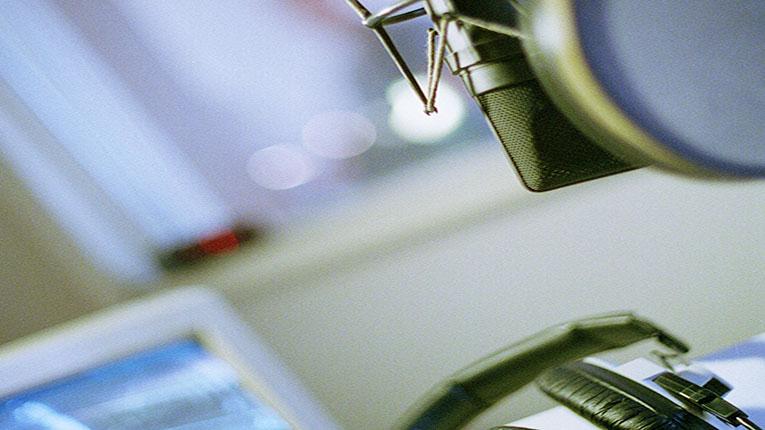 speakbox-mic+phones-thornblad-765x430